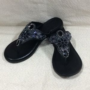 Brighton Anju black flip flops